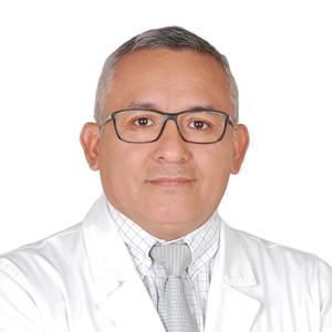 Dr. César León