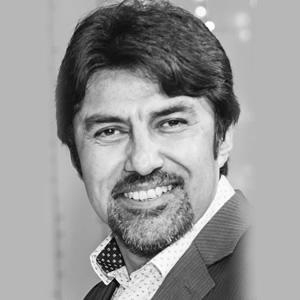 Dr. Iván Quirós Bazán