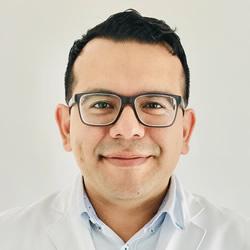 Dr. Américo Enrique Villalobos Pacheco